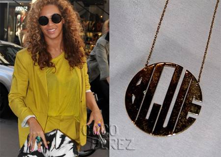 beyonce blue ivy nameplate necklace instagram