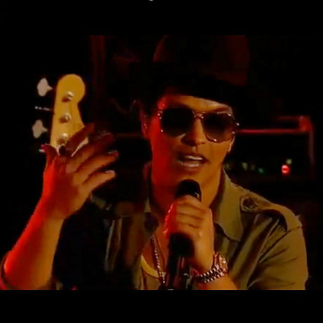 bruno mars performs part of your world